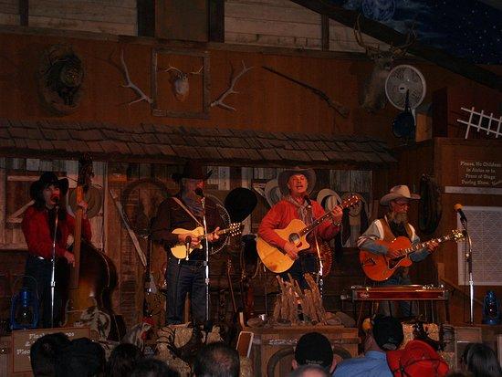 Cottonwood, AZ : Blazing M Ranch Cowboy Band 1