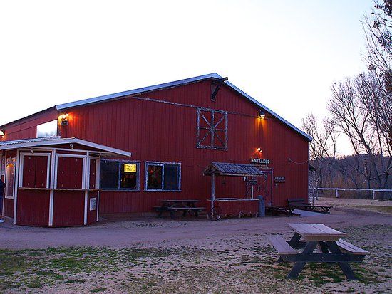 Cottonwood, AZ : Blazing M Ranch Dinner Barn