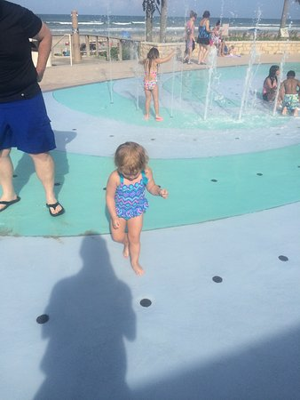 Ormond Beach, FL: fun on the splash pad