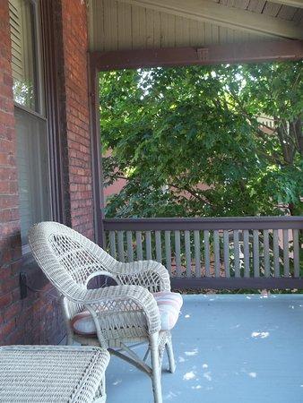 Peter Herdic Inn: Balcony