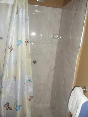 "Puttalam, Sri Lanka: This ""upstairs"" unit's shower was nice and clean."