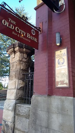Old City Bank Brasserie: The Old City Bank from the street.