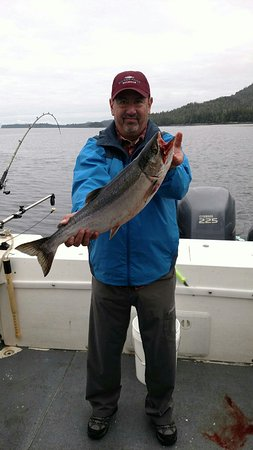 Salmon Falls Resort: Amazing fishing today. Colby our Captain was a true professional and the Staff here including Ja