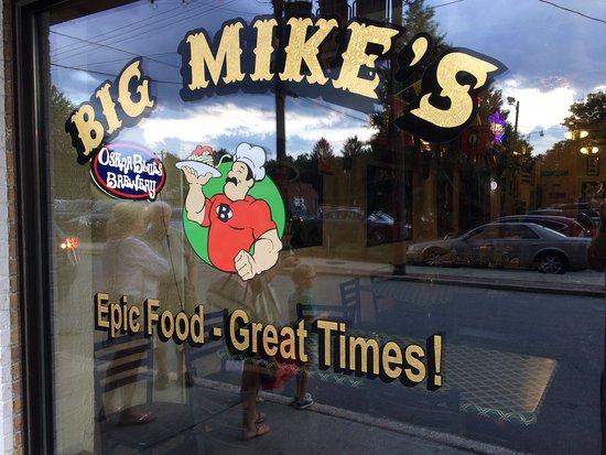 Brevard, Carolina del Norte: Awesome Pizza. Great staff.