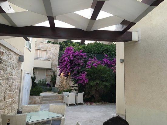 Hotel Korsal: The hotel's veranda