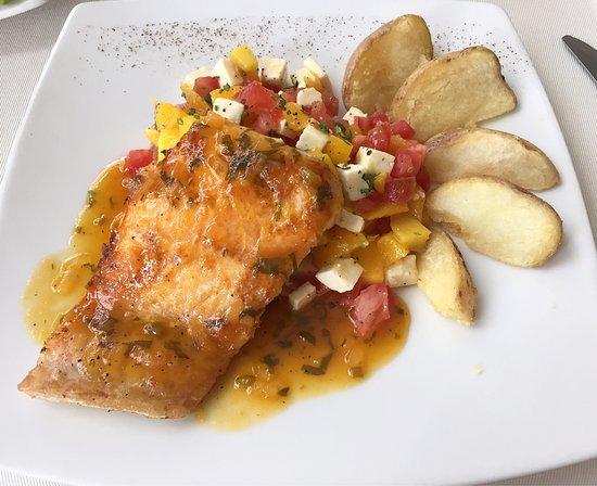 salmon en salsa de maracuya colombia