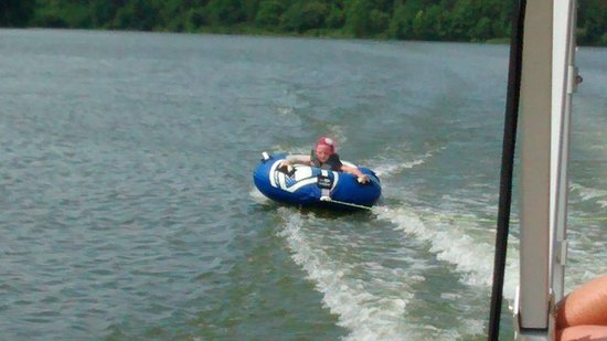 Cambridge, OH: Tubing on the lake is a BLAST for the kids!