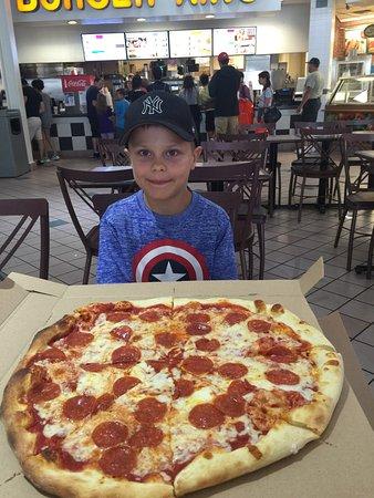 Waterloo, نيويورك: Pizza