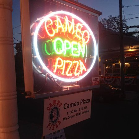 Put In Bay Cameo Pizza