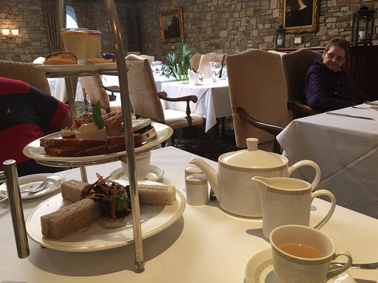 Mohill, Irland: English tea time!