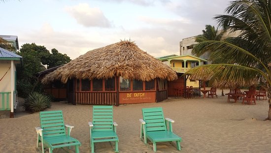 Seaspray Hotel: the beach bar and restaurant