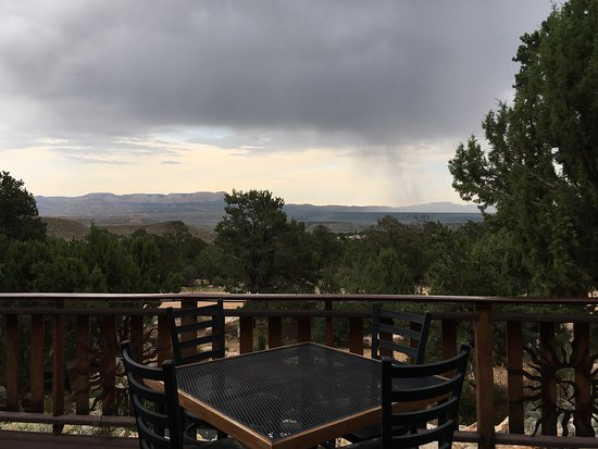 Tropic, UT: Dinner from the deck at Stone Hearth Grille(light rain, tables are sheltered)