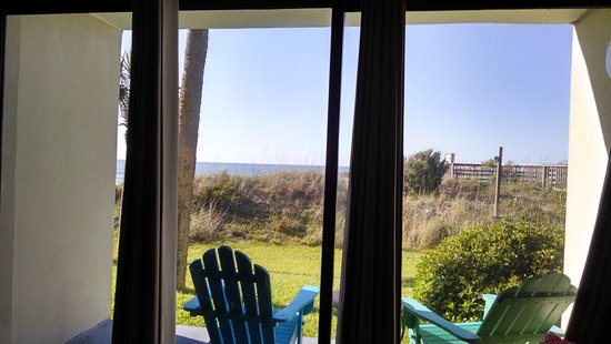 Oceanfront Litchfield Inn: Location was amazing.