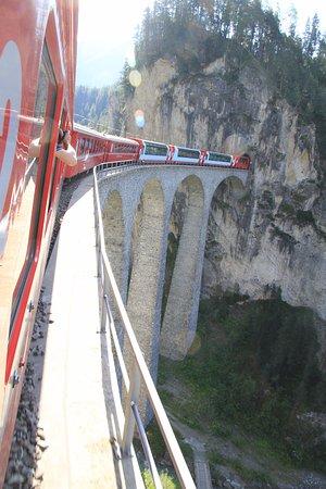Filisur, İsviçre: ランドヴァッサー橋