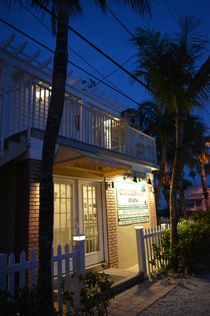 Coconut Inn P A Grill Beach Florida