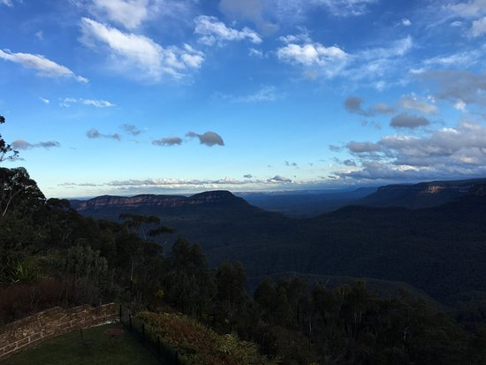 Echoes Boutique Hotel & Restaurant: View from Balcony of Blue Mountains