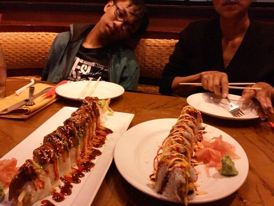 Coarsegold, CA: dragon roll and spider roll at the Noodle Bar Restaurant