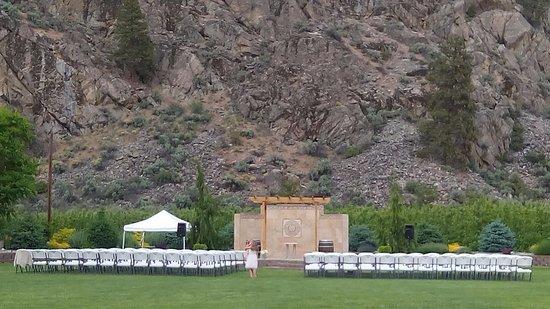 Wapato Point Resort: Shadow Mt wedding venue