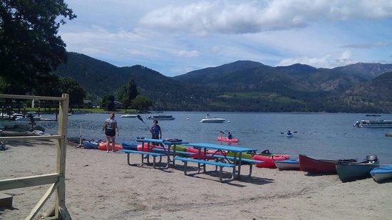 Manson, Etat de Washington : Beach at Lake Chelan on Wapato Pt.
