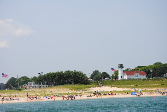 شاثام, ماساتشوستس: Looking back at Lighthouse Beach from out on a boat