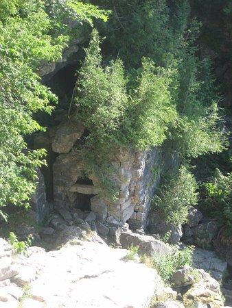 Owen Sound, Canada: cave ?