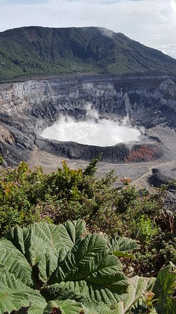 Poas Lodge and Restaurant: Poas Volcano Crater