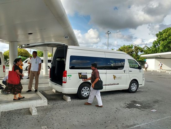 private transportation from Cancun