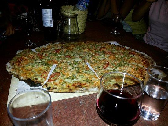 Palmeiras, BA: Pizza na Pedra, maravilhosa. Tudo de bom. Super Recomendo!