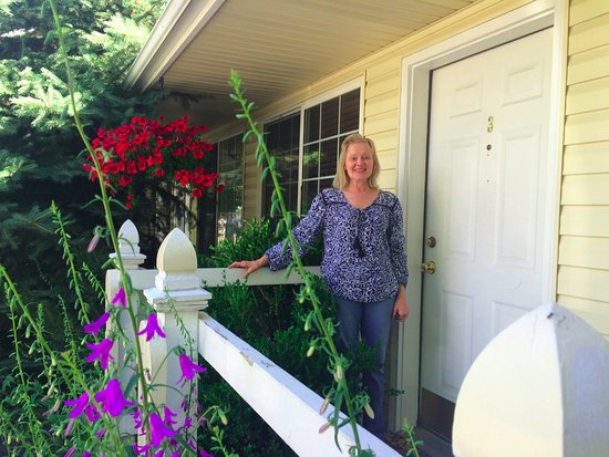 Columbine Inn: Porch/entry way