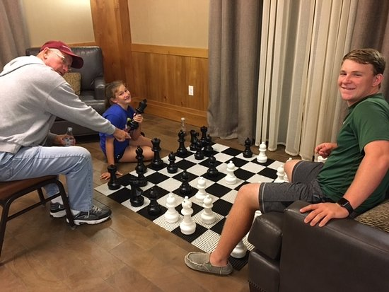 Homewood Suites by Hilton Durango: Chess game in the lobby