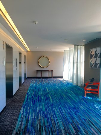 The Nines, a Luxury Collection Hotel, Portland: Elevator area of Level 9