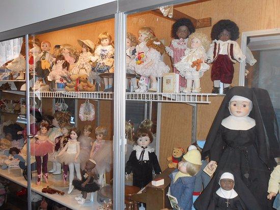 Yreka, CA: Dolls