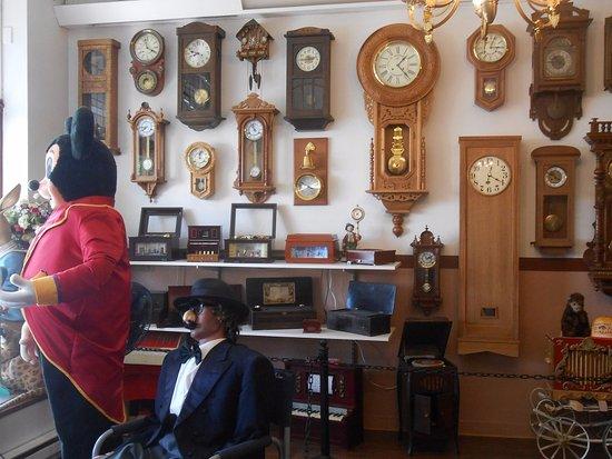 Yreka, CA: Clocks