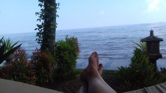 Lovina Beach, Indonesien: Pantai tampak dari hotel kami