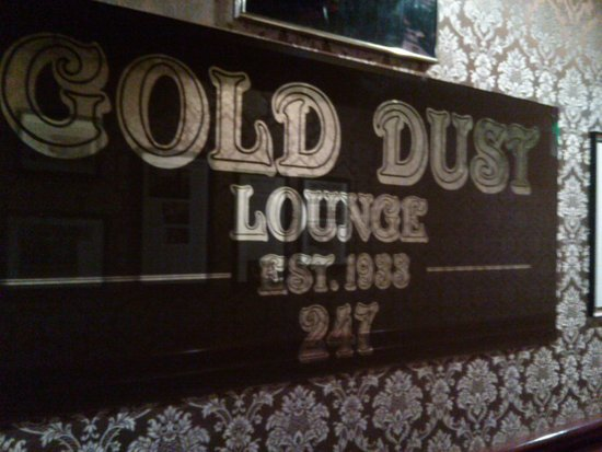 Gold Dust Lounge: Towards the back by the bathrooms
