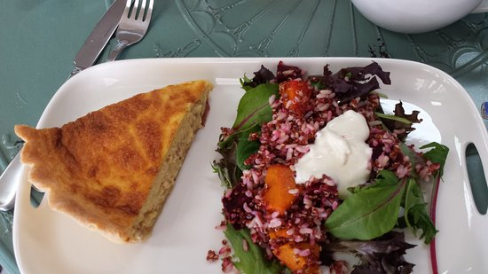 Springsure Australia  city photos gallery : Springsure, Australia: Quiche Lorraine and chinoa salad