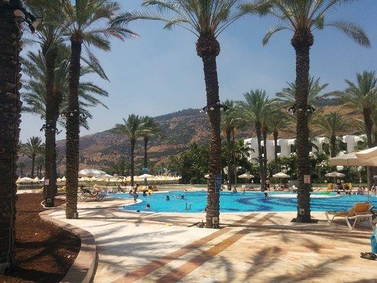 Gai Beach Resort Spa Hotel: הבריכה