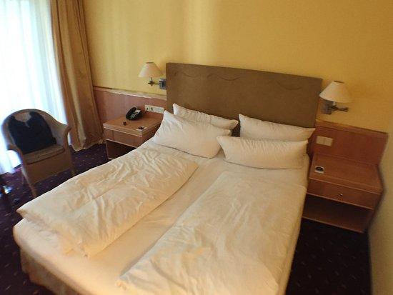 sehr gute betten wir haben sehr gut geschlafen bild von dorint hotel venusberg bonn bonn. Black Bedroom Furniture Sets. Home Design Ideas