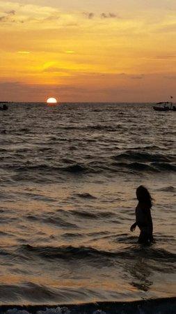 Playa Hermosa: 20160705_200740_large.jpg