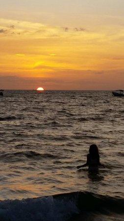 Playa Hermosa: 20160705_200757_large.jpg