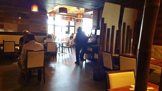 Newbury Park, كاليفورنيا: Dining Area at Sumo Sushi
