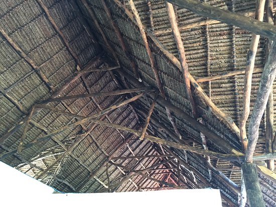 Mafia Island Lodge: Traditional style roof structure over the dining and lounge.
