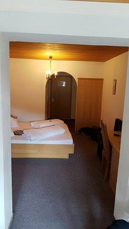 Hotel Margarete Maultasch: Geräumige Zimmer mit Balkon und Aussicht
