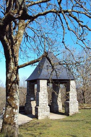 Le Faouet, Франция: Le campanile qui abrite la cloche