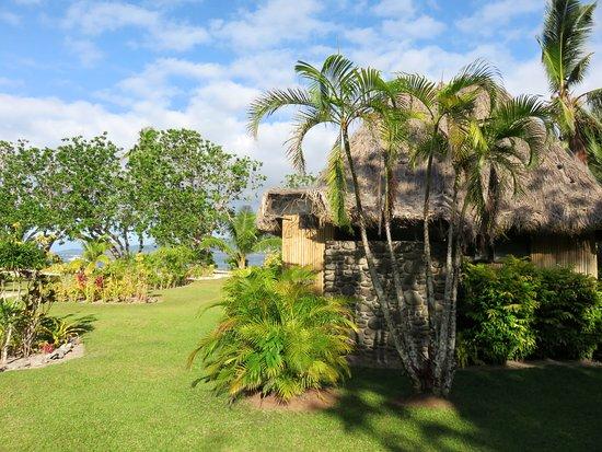 Qamea Resort And Spa Fiji: Bure overlooking the water