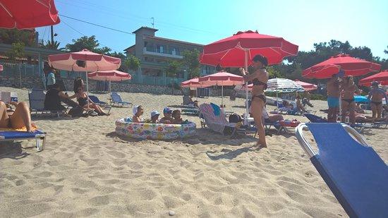 Esperia : Beach nearby the hotel