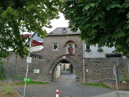 Rhens, Niemcy: IMG_20160725_203534_large.jpg