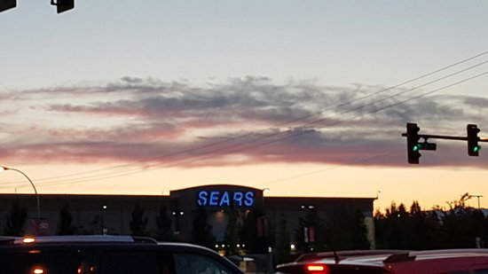 Σάρρεϋ, Καναδάς: It is good place because of shpping center like Sears and Wallmart.
