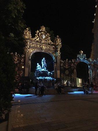 Grand Hotel De La Reine: photo3.jpg