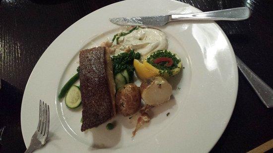 Emerald, Australia: Crispy-skin salmon - yum!
